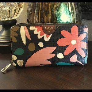 FOSSIL floral print zip around clutch wallet